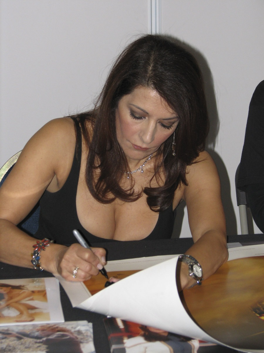 Marina Sirtis wallpapers (97519)