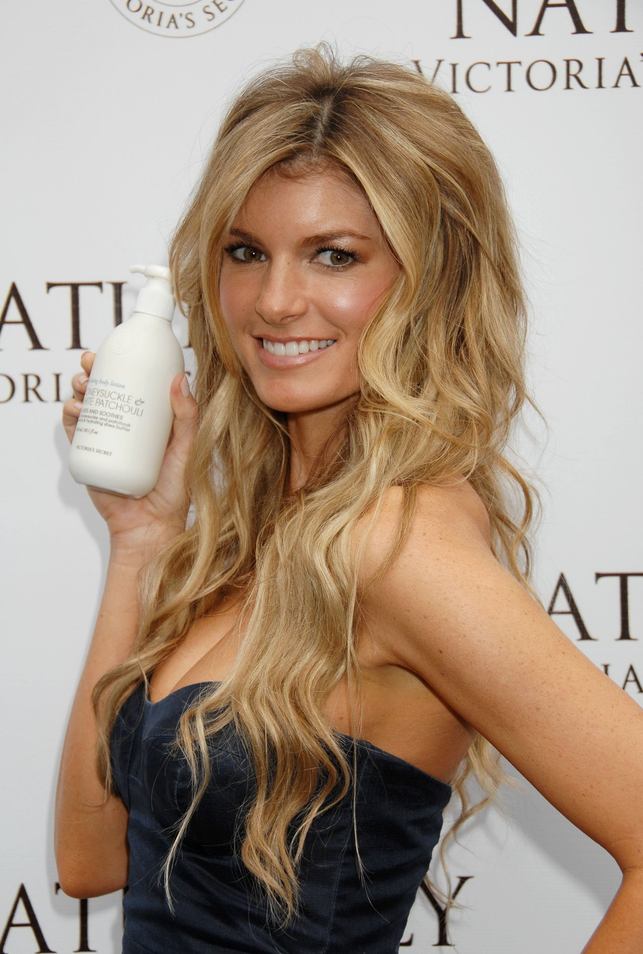 Marisa Miller Wallpapers Images Of Celebrity Gossip