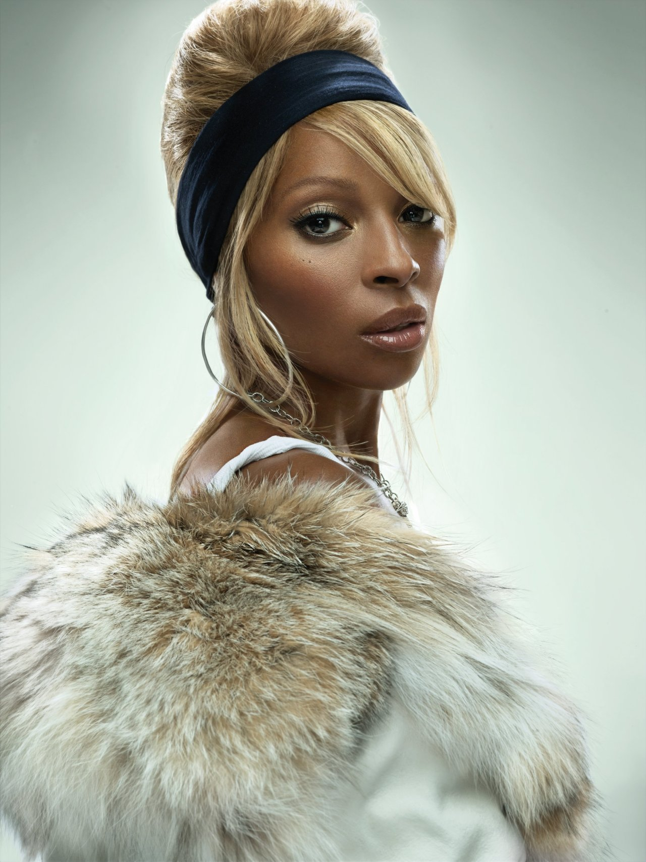 Mary J. Blige wallpapers (17483). Popular Mary J. Blige pictures ... Mary J Blige Cars
