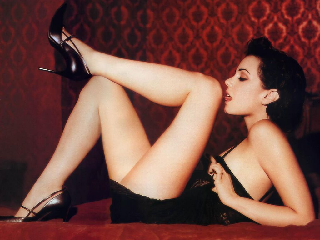 Mia Kirshner Hot
